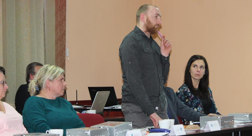 Radni mieli pytania i uwagi dotyczące budżetu na 2019 rok. Dariusz Miszczak dopytywał np. o oświetlanie Jastrowia - o tym przeczytają Państwo w jednym z kolejnych wydań AL