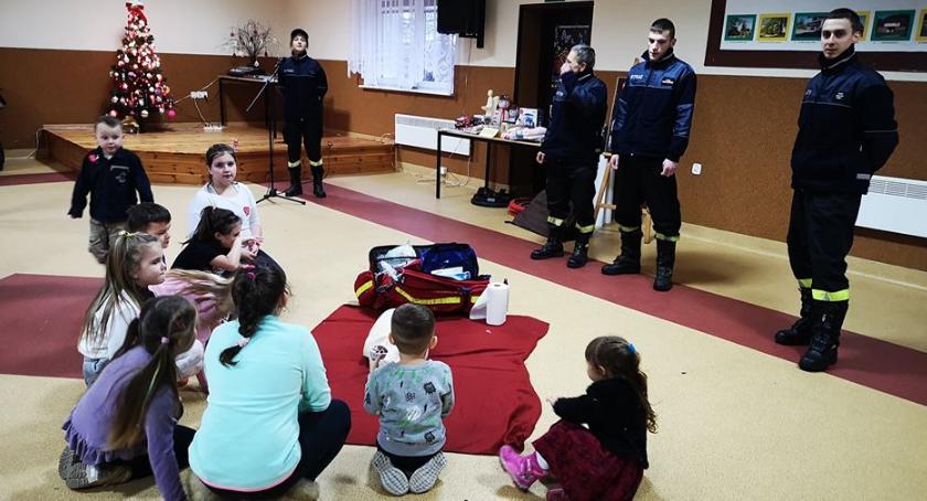 Straż pożarna, Strażacy Jastrowia uczą ratowania życia - zdjęcie, fotografia