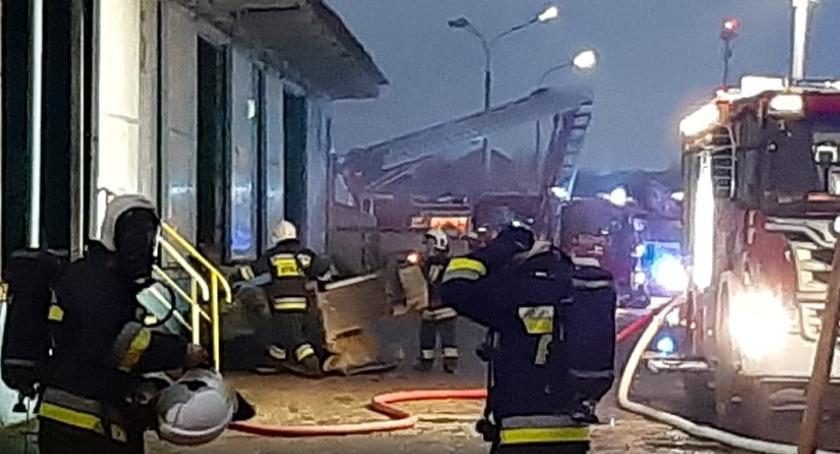 Straż pożarna, Akcja strażaków jednym zakładów produkcyjnych Jastrowiu - zdjęcie, fotografia