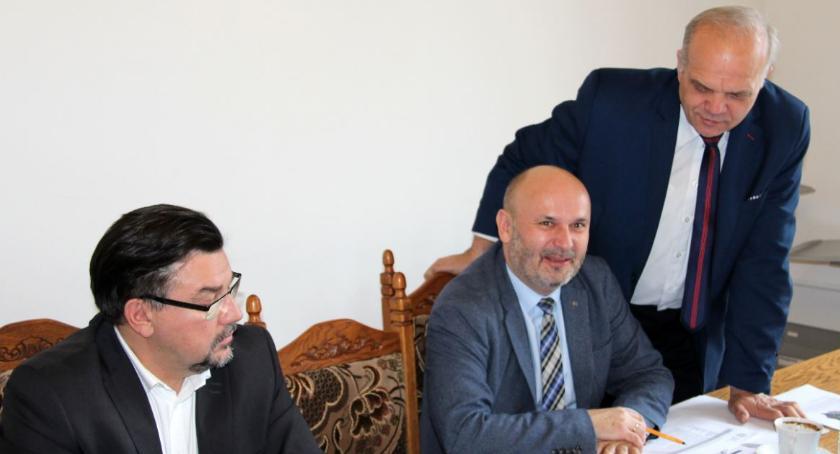 Samorządowcy, Samorządowcy powiatu złotowskiego chcą zmian - zdjęcie, fotografia