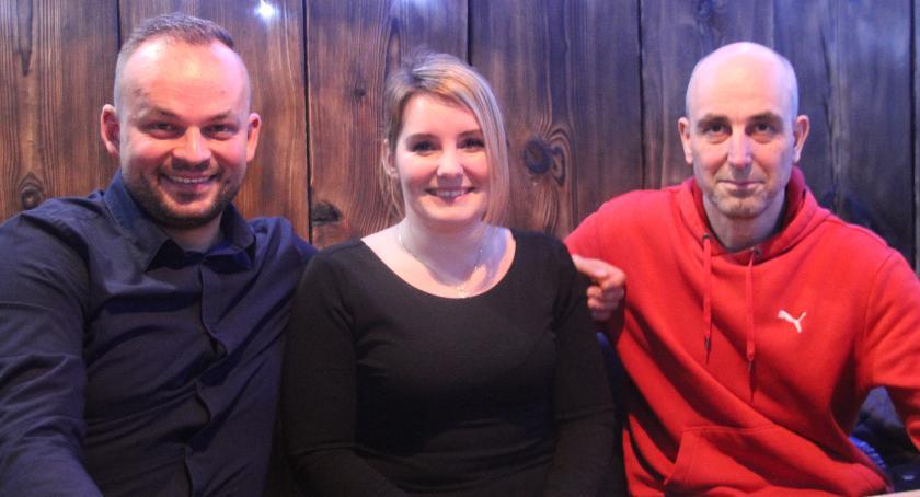 Paweł Kucharski, Sandra Przybyszewska–Pączek i Robert Massel zapewnili wyjątkową zabawę wielu uczestnikom sobotniej dyskoteki. Postarają się o jeszcze więcej