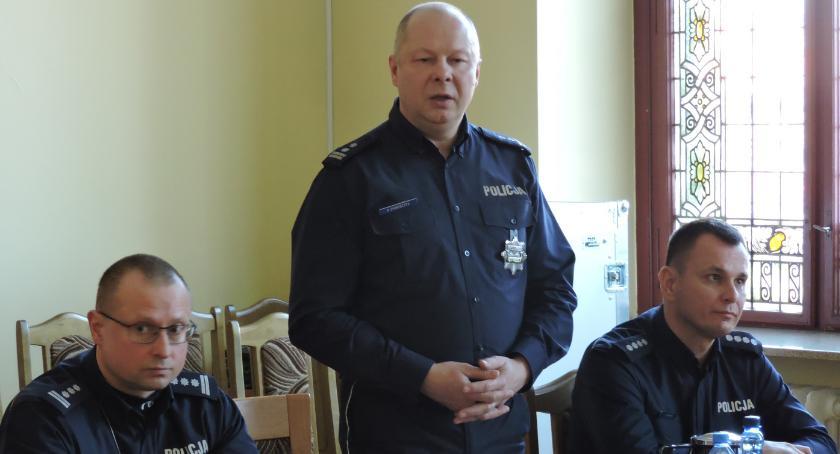 Policja - komunikaty i akcje, Złotowscy policjanci podsumowali miniony - zdjęcie, fotografia