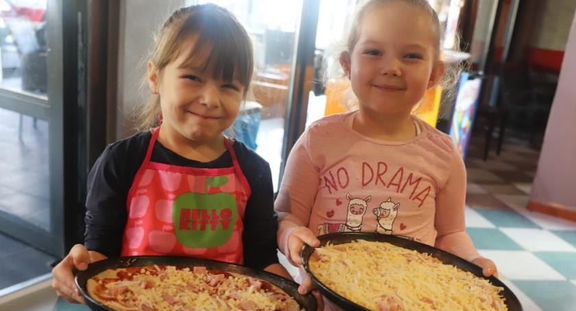 Rekreacja wypoczynek, Warsztaty wypieku pizzy Piast pizzerią Neapoli - zdjęcie, fotografia