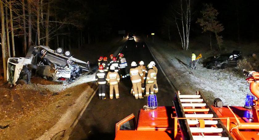 Wypadki drogowe, Kolejna akcja służb ratunkowych - zdjęcie, fotografia