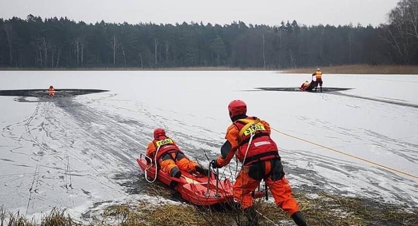 Straż pożarna, Strażacy lodzie - zdjęcie, fotografia