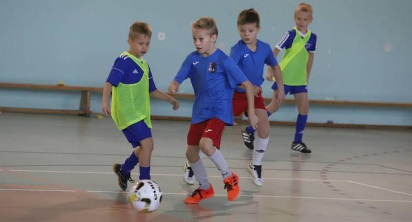 Piłka nożna, Polonia stawia turnieje - zdjęcie, fotografia