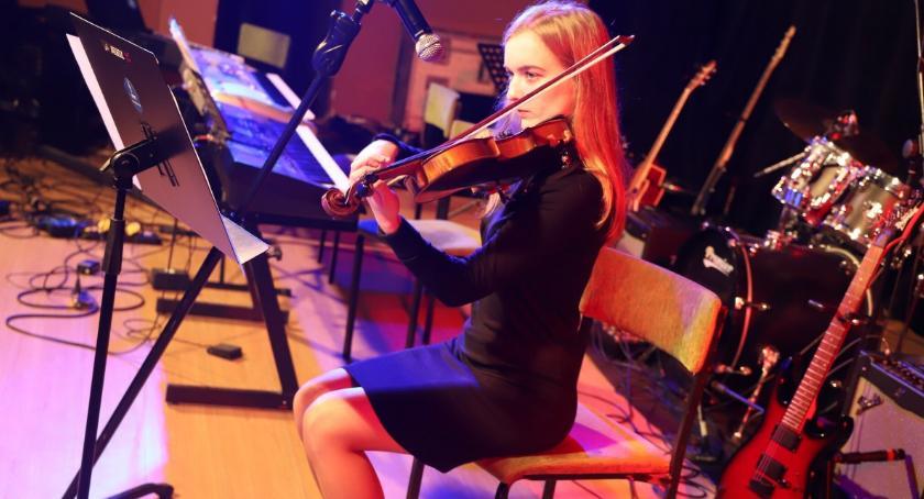 Koncerty muzyka, Noworoczny Koncert Szkoły Muzycznej Casio Złotowie - zdjęcie, fotografia