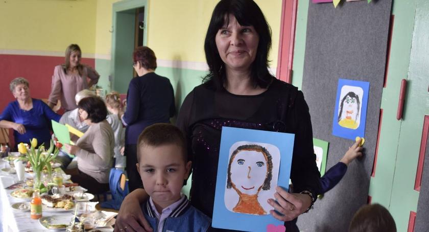 Uroczystości obchody, Dzień Babci Dziadka Publiczne Przedszkole Podróżnej - zdjęcie, fotografia