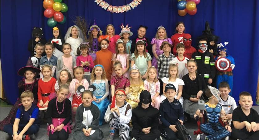 Spotkania i festyny, karnawałowy Zespole Szkół Katolickich - zdjęcie, fotografia