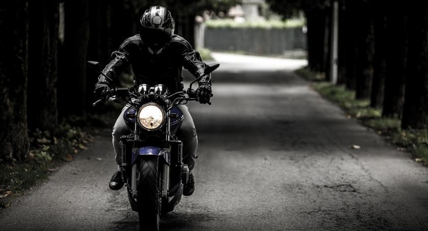 Ludzie i ich pasje, Szykuj motocykl będzie impreza - zdjęcie, fotografia