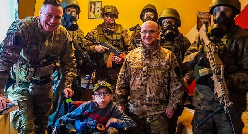 Charytatywnie, Jednostka Strzelecka Szarych Szeregów pomocą Klaudiusza - zdjęcie, fotografia