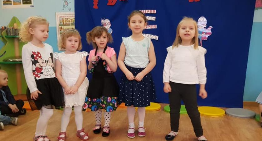 Uroczystości obchody, Dzień Babci Dziadka Przedszkolu Złotowie - zdjęcie, fotografia
