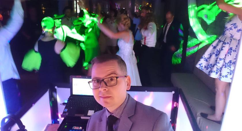 Doświadczenie w fachu Rafał zdobywał w klubach, gdzie był DJ–em przez kilkanaście lat