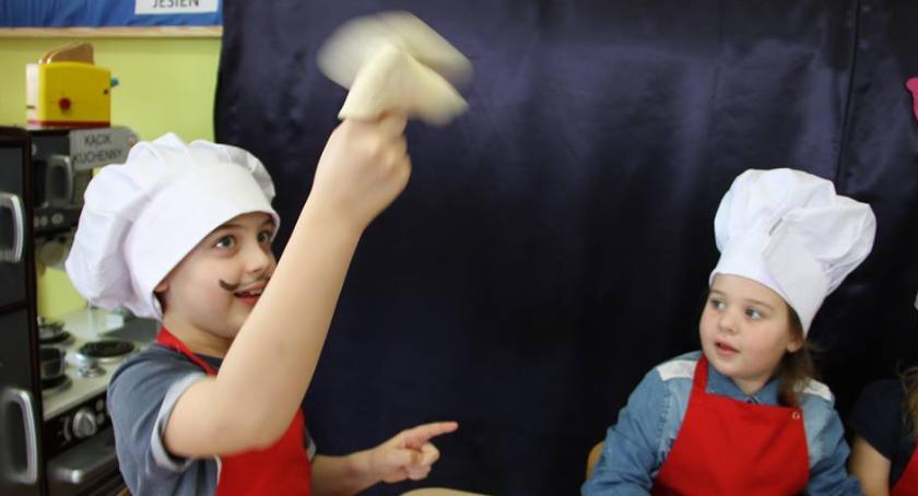 Edukacja, Międzynarodowy Dzień Pizzy Okonku - zdjęcie, fotografia