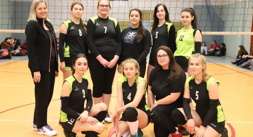 Siatkówka, Uczennice Mistrzyniami Powiatu Piłce Siatkowej Dziewcząt - zdjęcie, fotografia