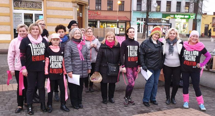 Ludzie i ich pasje, Nazywam miliard Billion Rising Złotowie - zdjęcie, fotografia