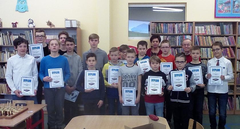 Konkursy i zawody, Mistrzostwa Szkoły Podstawowej szachach - zdjęcie, fotografia
