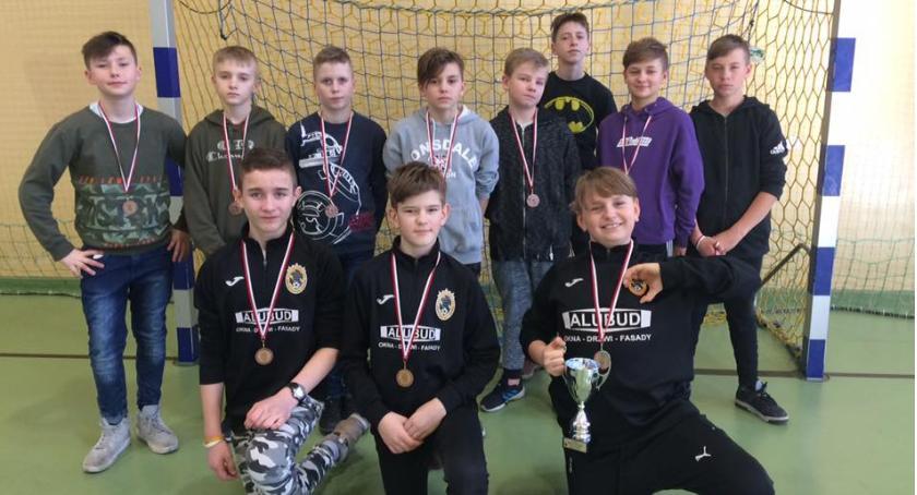 Piłka nożna, Finał Halowych mistrzostw Piła kategorii Młodzik - zdjęcie, fotografia