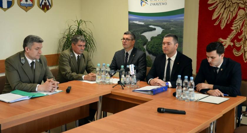 Samorządowcy, Konferencja prasowa Urzędzie Gminy Zakrzewo - zdjęcie, fotografia