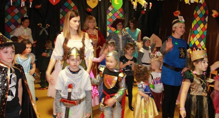 Spotkania i festyny, królewskim zamku - zdjęcie, fotografia