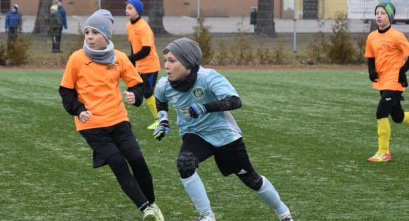 Piłka nożna, Football Academy kontra Szczecinek - zdjęcie, fotografia
