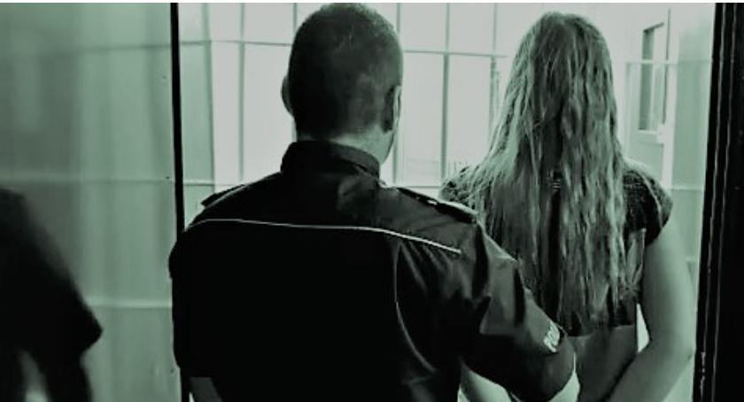 Kronika kryminalna, Zatrzymano poszukiwaną listem gończym - zdjęcie, fotografia