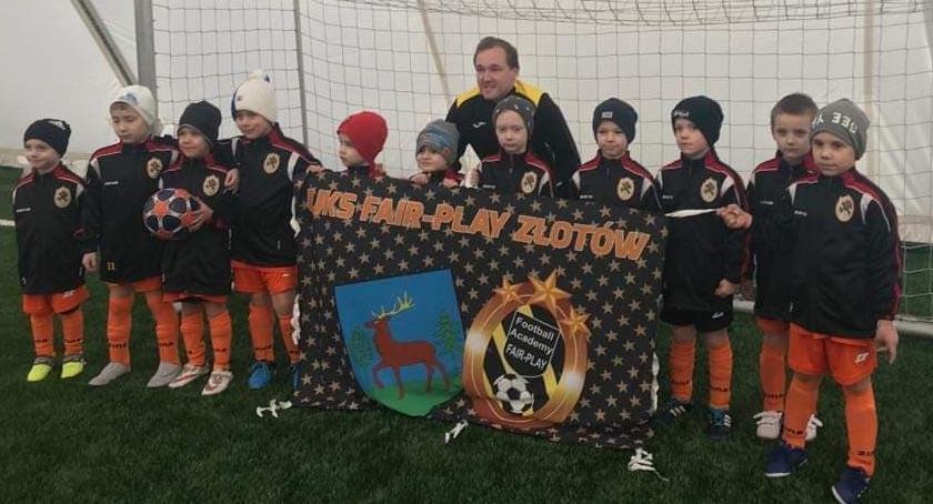 Piłka nożna, Skrzaty Football Academy turnieju Poznaniu - zdjęcie, fotografia