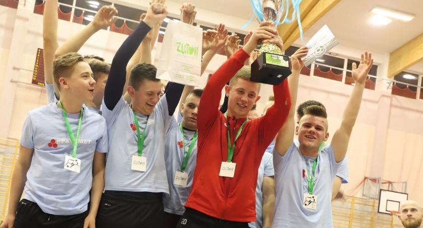 Piłka nożna, zwycięzcą Złotowskiej Futsalu - zdjęcie, fotografia