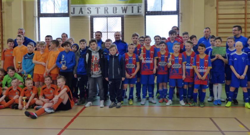 Piłka nożna, Akademii Piłkarskiej Sparta Złotów zwycięża Jastrowiu - zdjęcie, fotografia