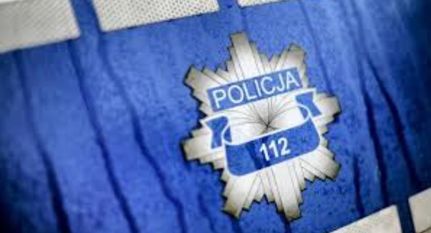 Policja - komunikaty i akcje, wykroczeń popełnionych przez kierujących samochodami rowerzystów pieszych - zdjęcie, fotografia