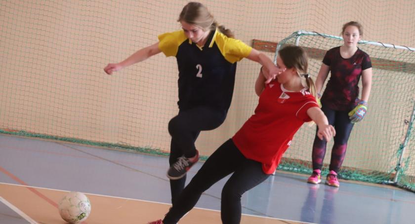 Piłka nożna, Turniej Piłki Nożnej Dziewcząt Ekonomie - zdjęcie, fotografia