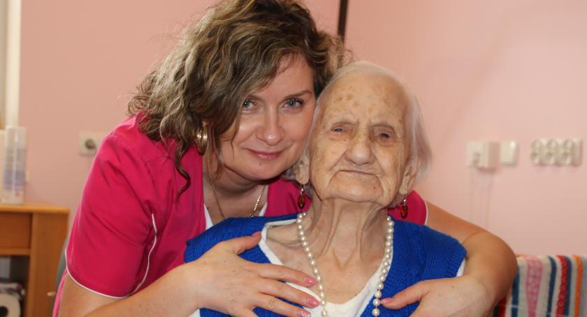 Seniorzy, Najstarsza złotowianka - zdjęcie, fotografia