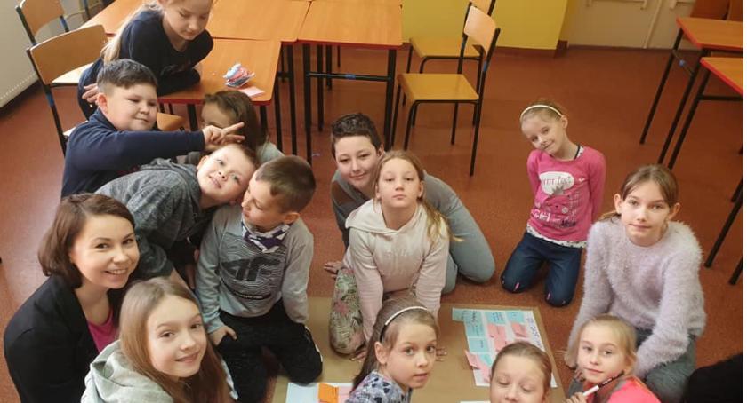 Edukacja, Uczniowie Społecznej Szkoły Podstawowej Zalesiu warsztatach - zdjęcie, fotografia