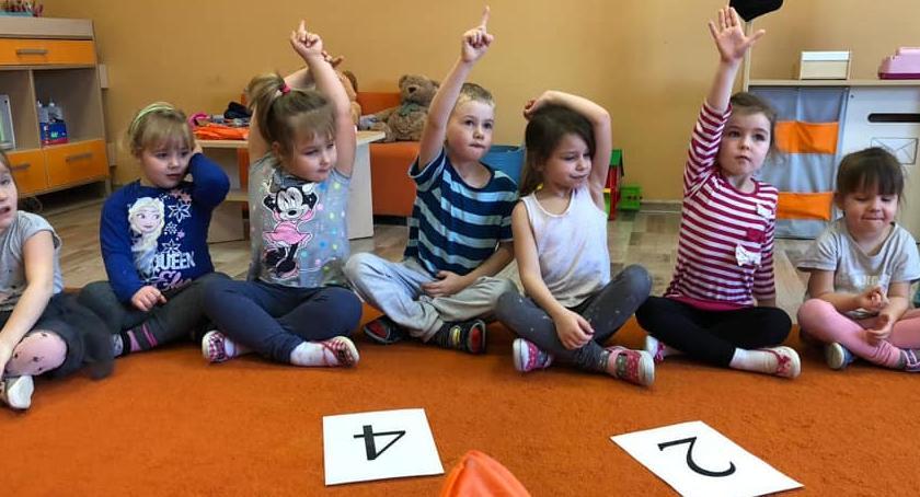 Edukacja, Raczki Okonka uczą liczb - zdjęcie, fotografia