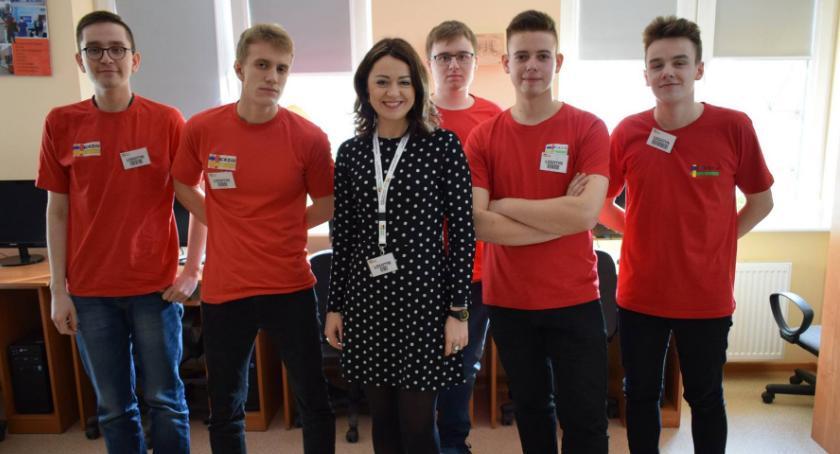 Edukacja, Drzwi otwarte złotowskim CKZiU - zdjęcie, fotografia