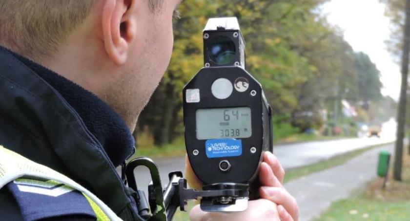 Policja - komunikaty i akcje, przypadków przekroczenia prędkości - zdjęcie, fotografia