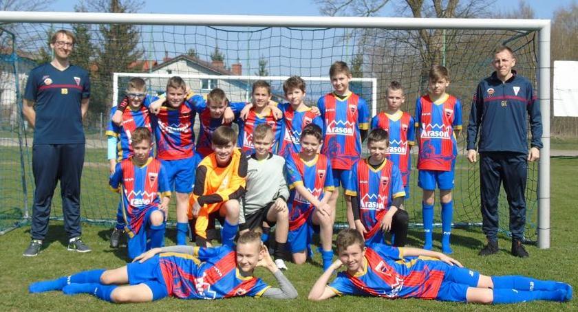 Piłka nożna, Młodziki Sparty zwyciężają Szydłowie - zdjęcie, fotografia