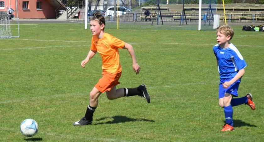 Piłka nożna, Zwycięstwo Młodzików Football Academy Złotów - zdjęcie, fotografia
