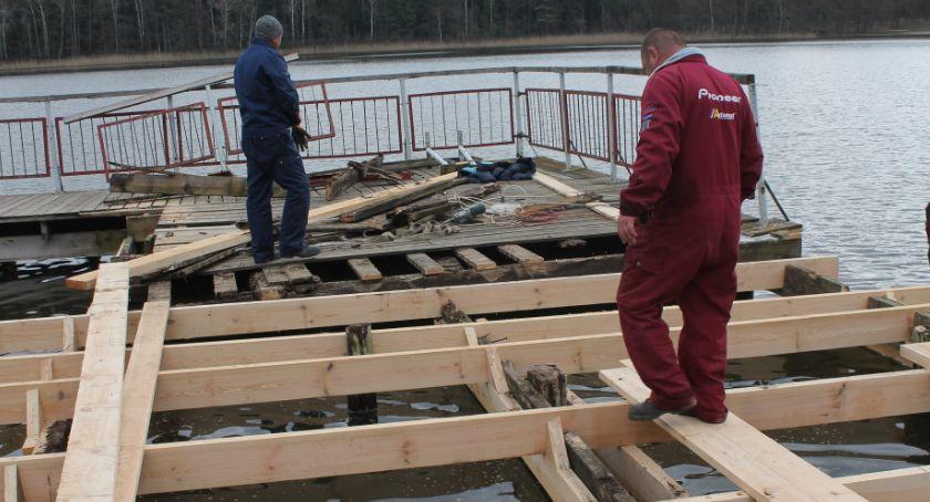 Inwestycje w powiecie, Trwają prace plaży miejskiej Jastrowiu - zdjęcie, fotografia