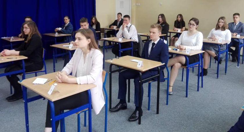 Edukacja, Egzamin gimnazjalny Złotowie - zdjęcie, fotografia