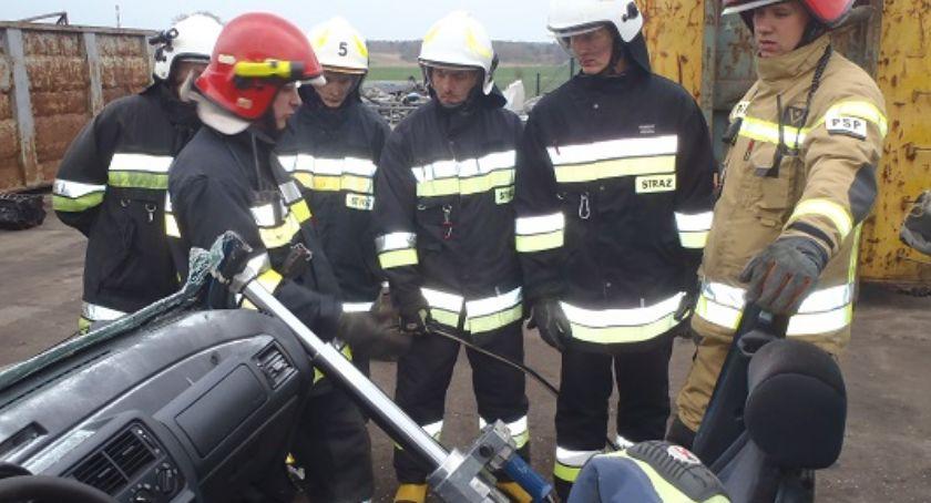 Straż pożarna, podstawowy członków Ochotniczych Straży Pożarnych - zdjęcie, fotografia