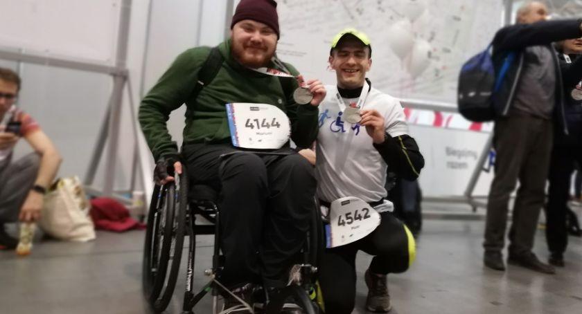 Biegi, Mariusz Gemza Piotr Zamczyk trasie Poznań Półmaraton - zdjęcie, fotografia