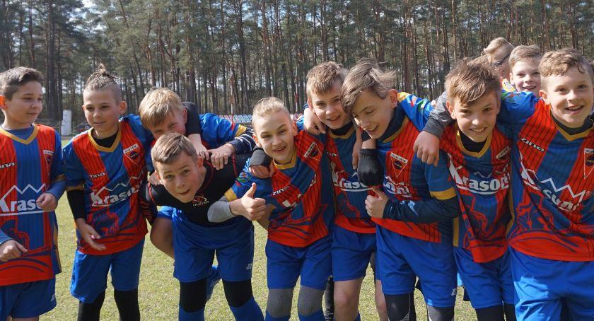 Piłka nożna, Młodzik Sparty Złotów kontra Polonia Jastrowie - zdjęcie, fotografia