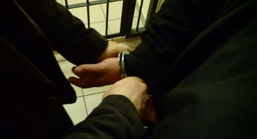 Kronika kryminalna, Zatrzymali osób ukrywających przed wymiarem sprawiedliwości - zdjęcie, fotografia