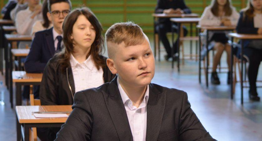 Edukacja, Trwają egzaminy ósmoklasistów - zdjęcie, fotografia