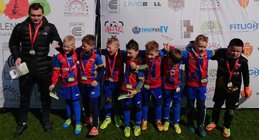 Piłka nożna, Akademia Piłkarska Sparta Złotów turnieju Opalenicy - zdjęcie, fotografia