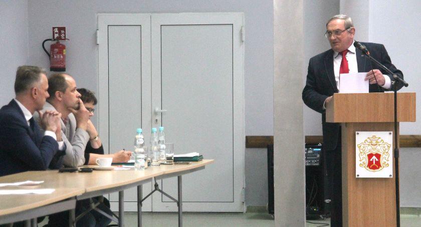 Samorządowcy, Radny Zając ogniu krytyki - zdjęcie, fotografia