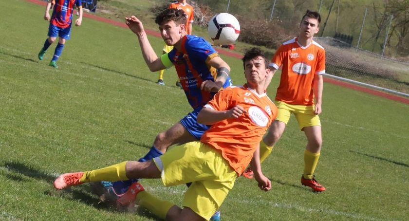 Piłka nożna, Juniorzy Sparty Złotów rozgromili Orkan Śmiłowo - zdjęcie, fotografia