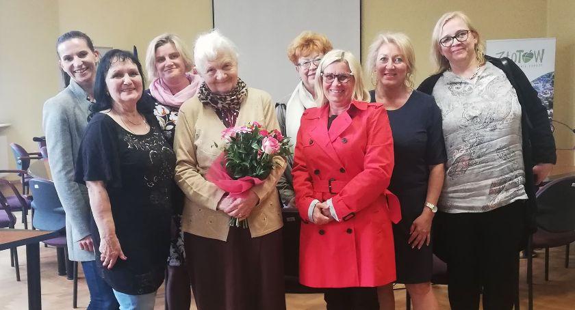 Organizacje pozarządowe, Złotowska Kobiet uhonorowała Złotowiankę Stulecia - zdjęcie, fotografia