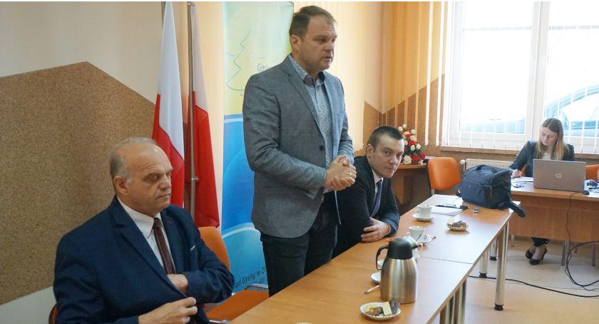 Samorządowcy, Zmiana relacjach powiatem - zdjęcie, fotografia